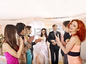 20663336-wedding-dance-group-people-clap-their-hands