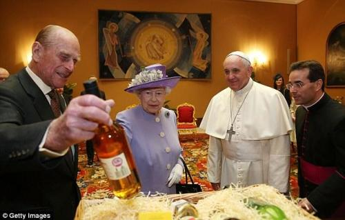 HM the Queen visits Pope Francis I